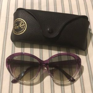Accessories - Ray Ban sunnies